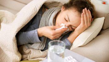 Болит голова после простуды: причины, симптомы и лечение