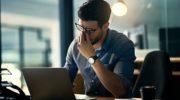 Может ли болеть голова от компьютера и что делать при появлении цефалгии?